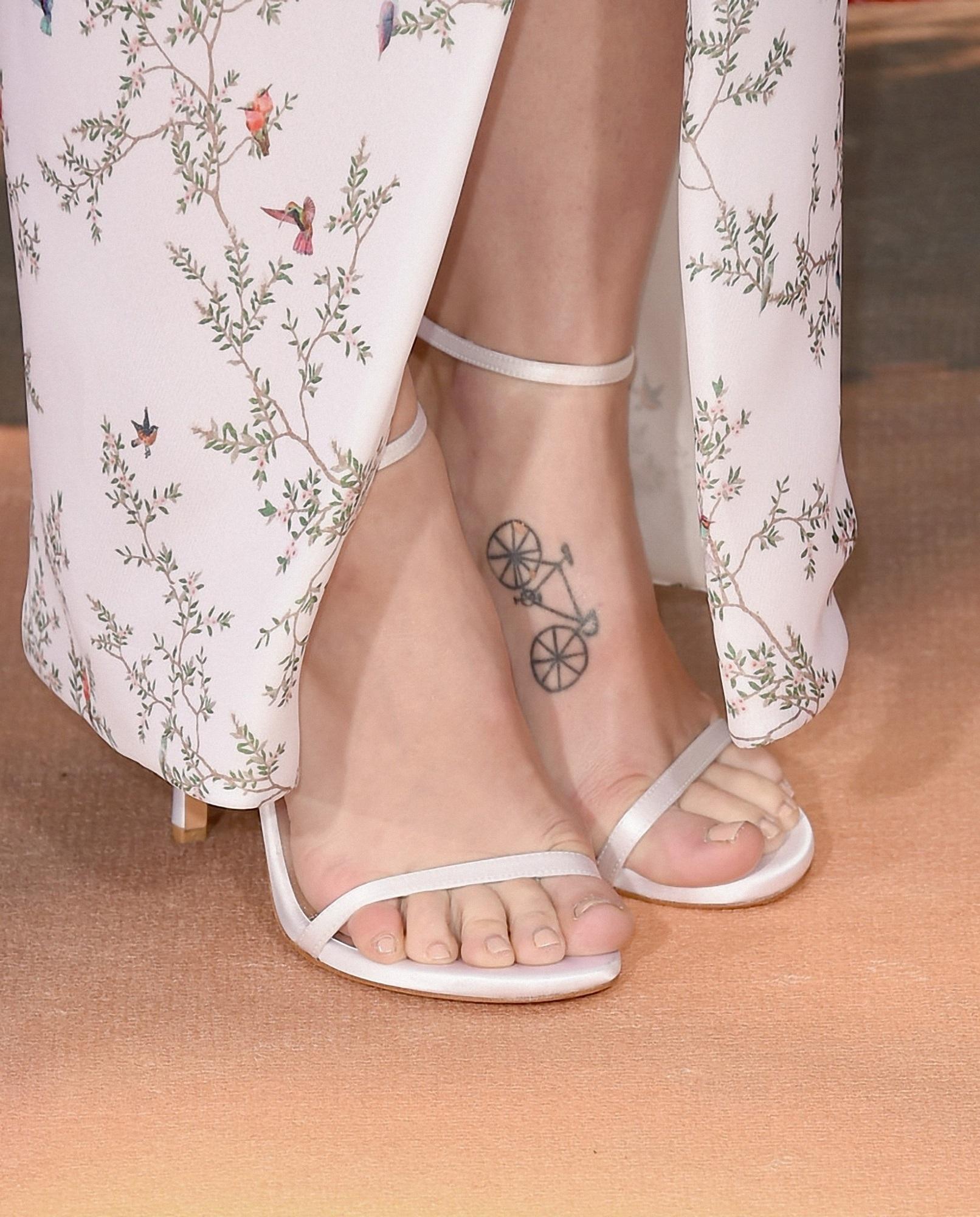 Melissa Benoists Feet