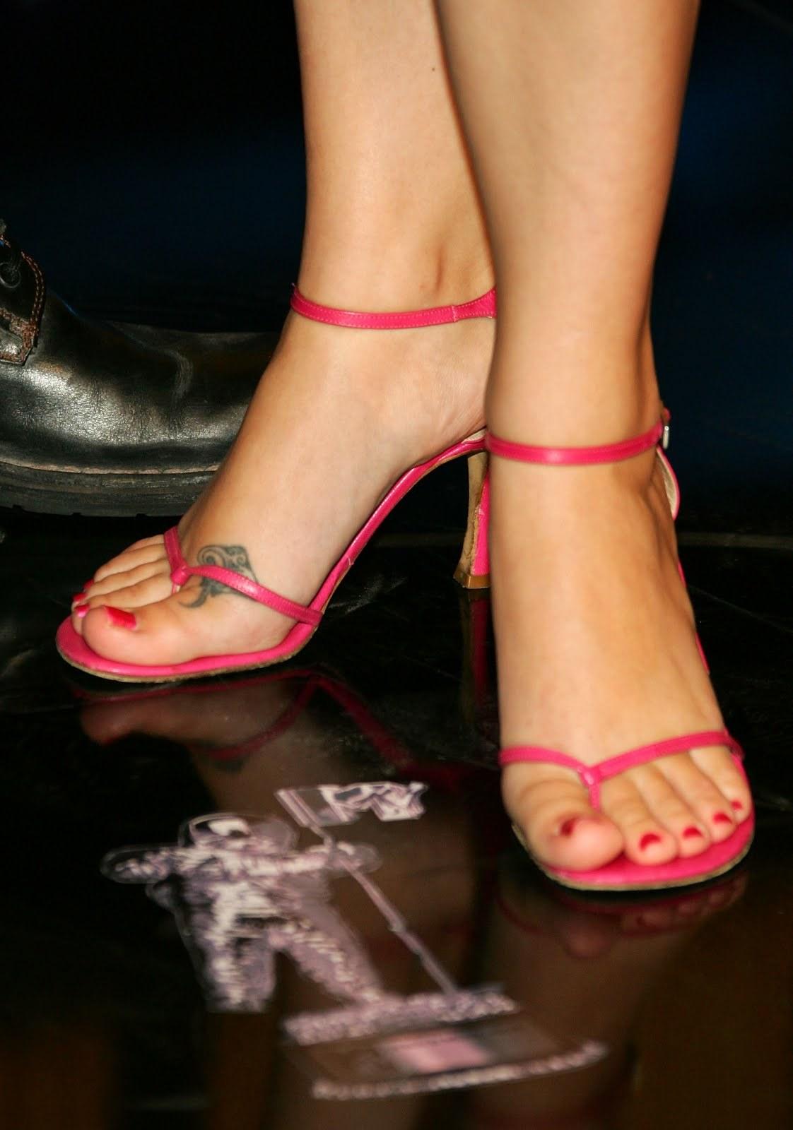 Ashley Scott Shoe Size