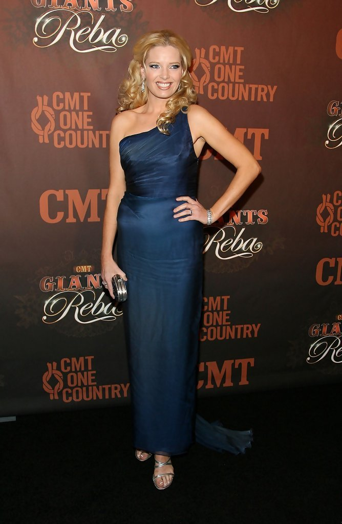 Melissa Peterman's Feet Melissa Peterman Weight Loss Before And After