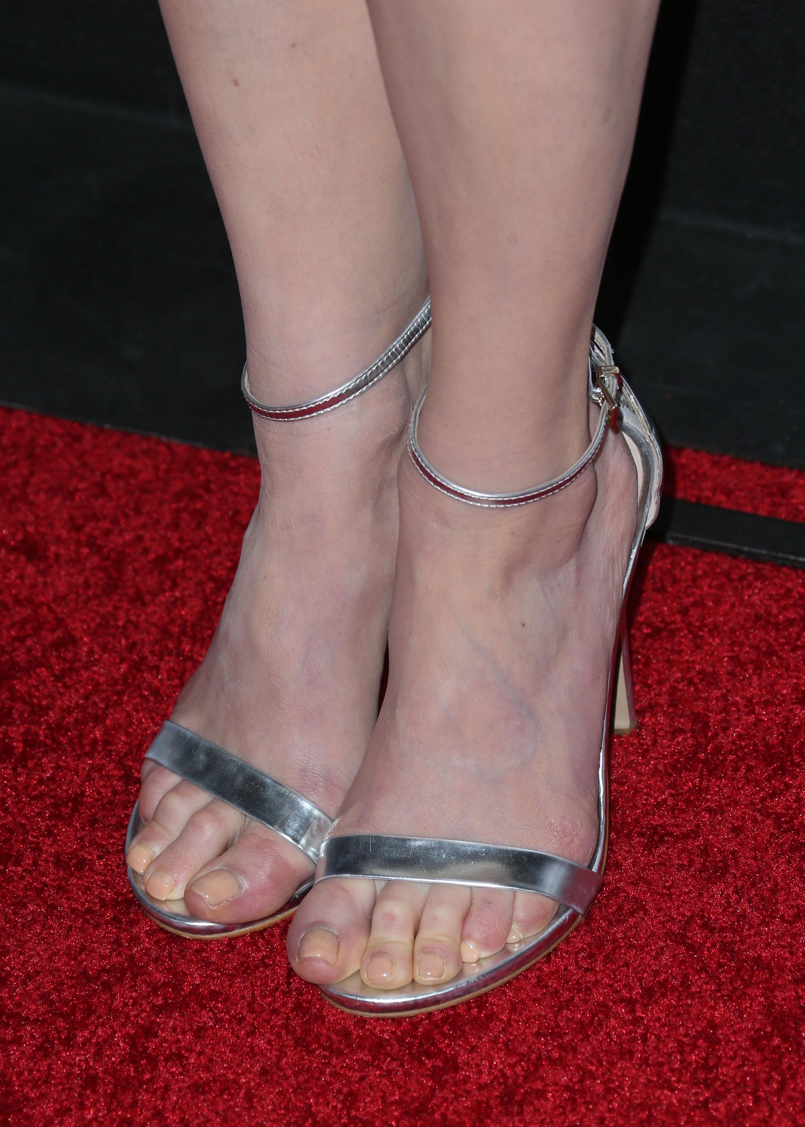 Melissa Rauch Feet Compilation CelebFeetScene