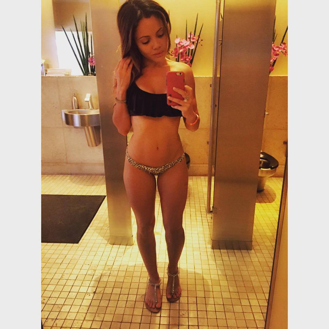 Nackt melissa santos Melissa Benoist