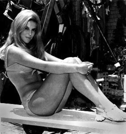 Video Feet Elizabeth MacRae  naked (28 images), Facebook, legs
