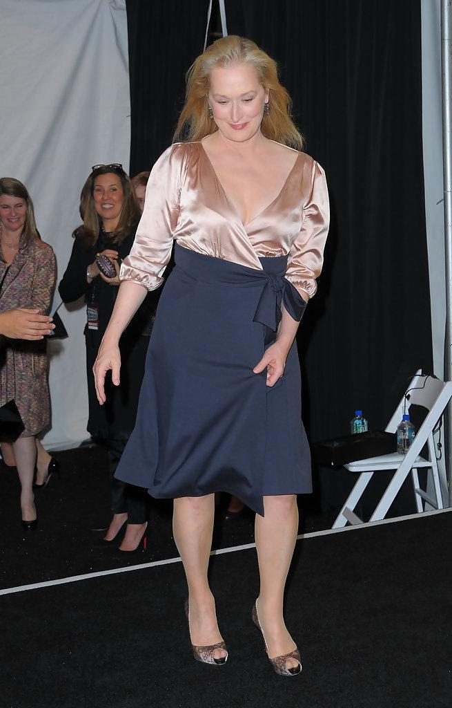Meryl Streep Feet Related Keywords - 109.4KB