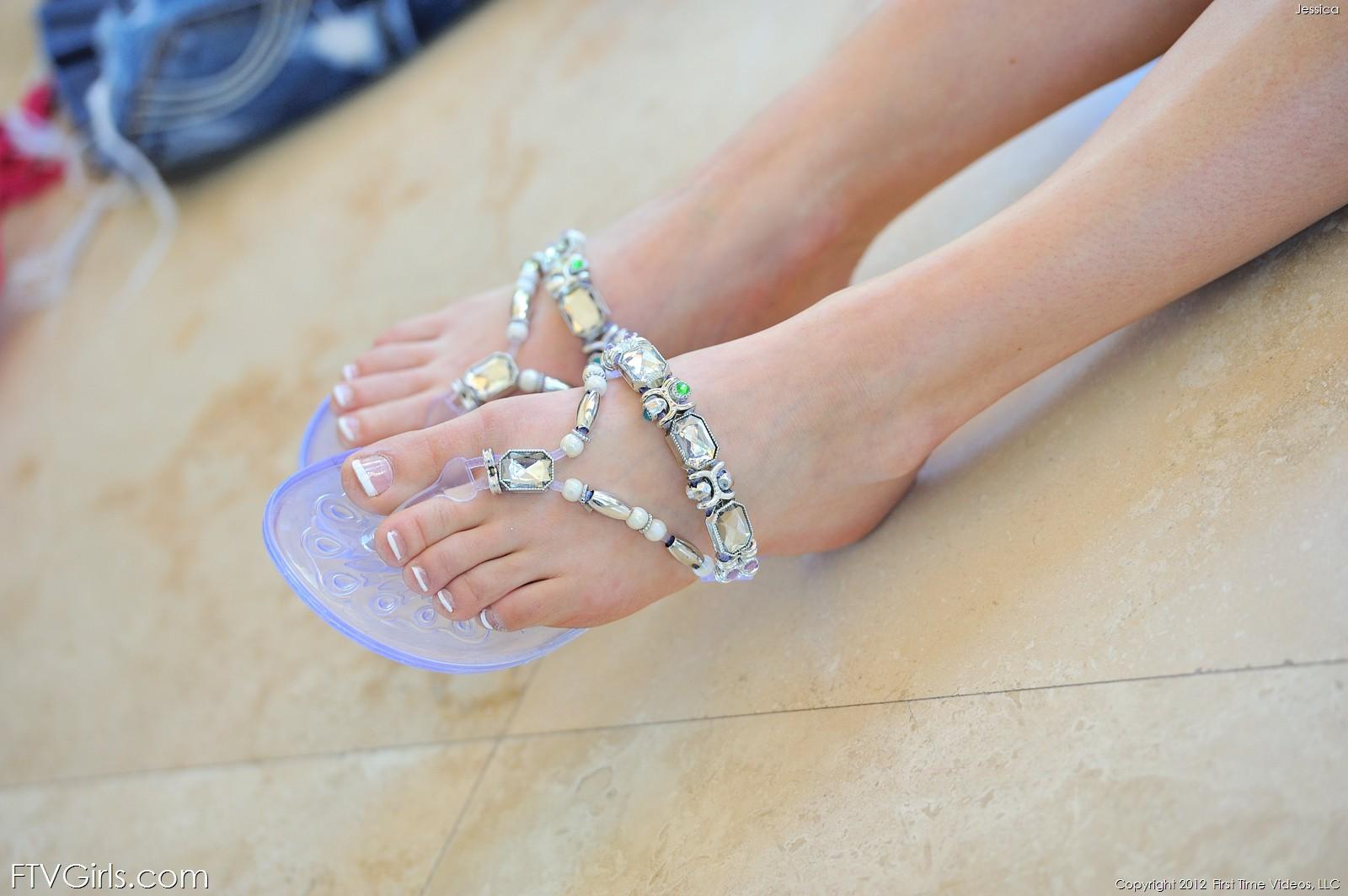 mia malkova feet pics