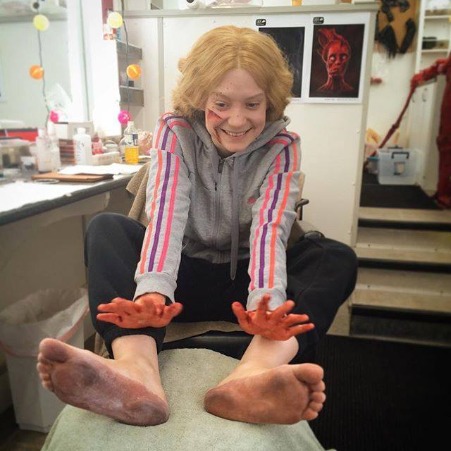 https://pics.wikifeet.com/Mia-Wasikowska-Feet-1994010.jpg
