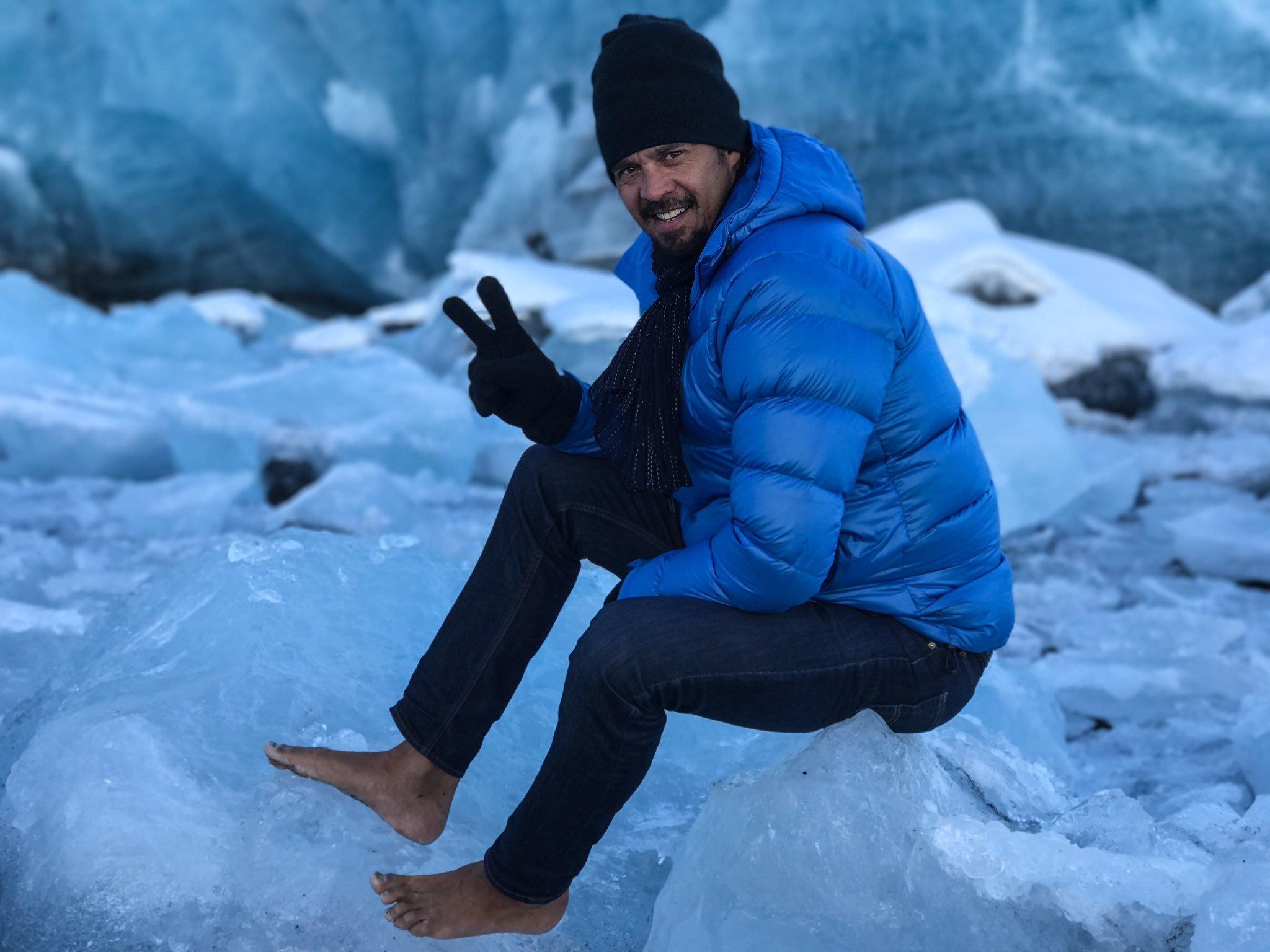 https://pics.wikifeet.com/Michael-Franti-Feet-2953111.jpg