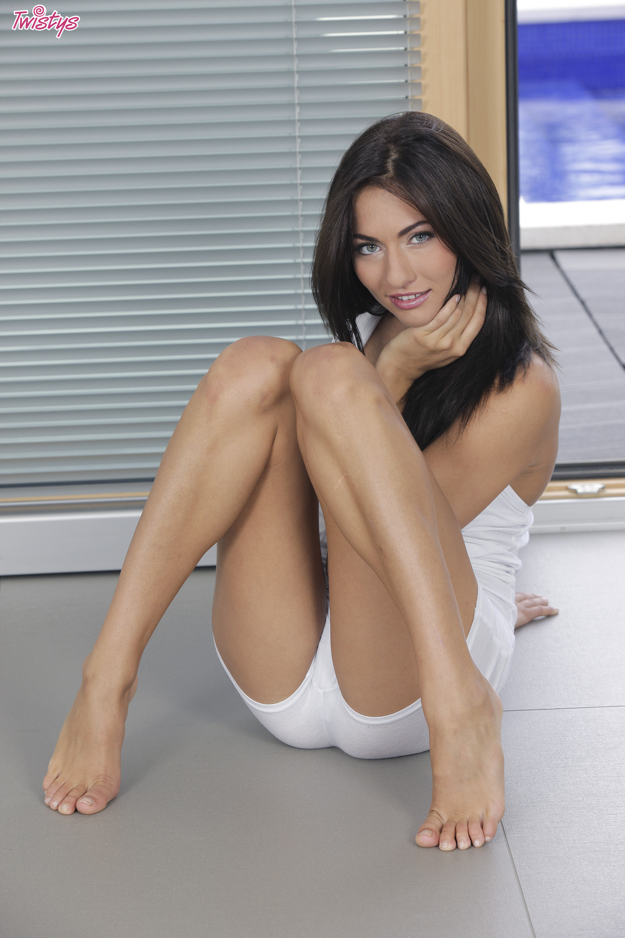 Gina and pantyhose
