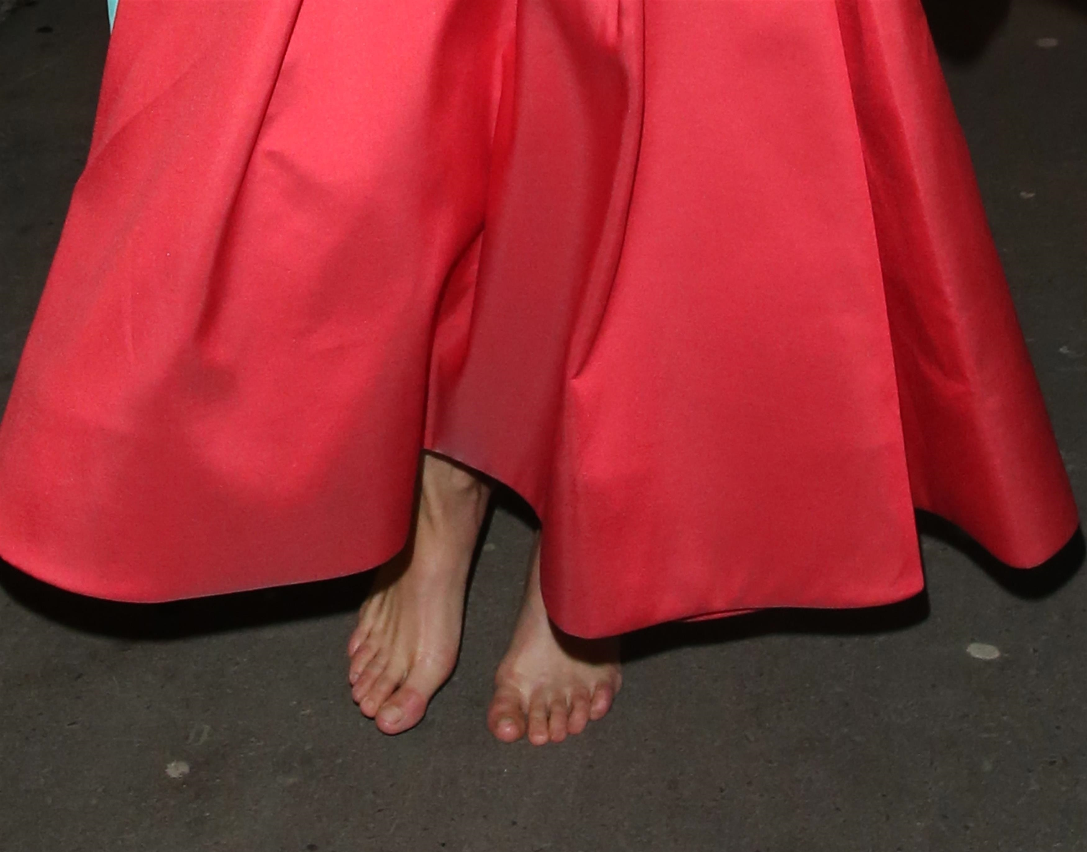 https://pics.wikifeet.com/Michelle-Rodriguez-Feet-4014826.jpg