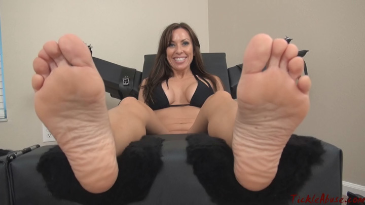 Nikki Ashton Feet Worship