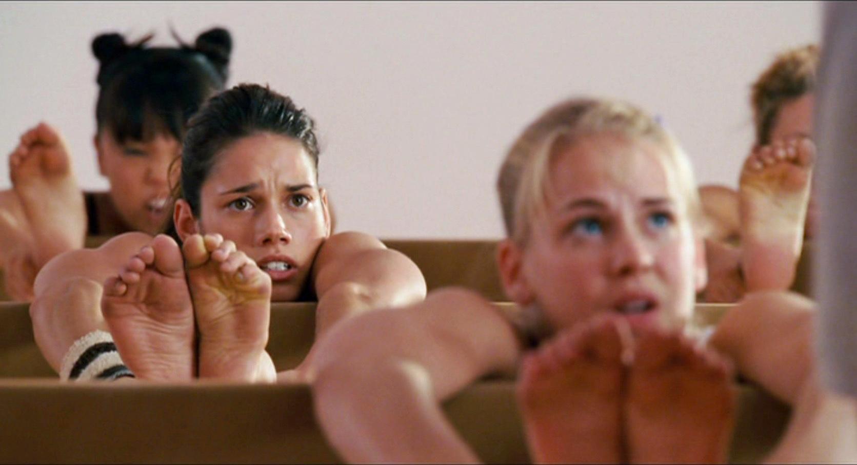 eroticheskie-filmi-pro-shekotkoy