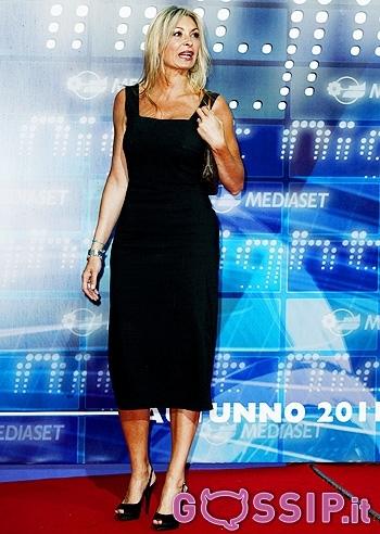 Monica Vanalis Feet Wikifeet