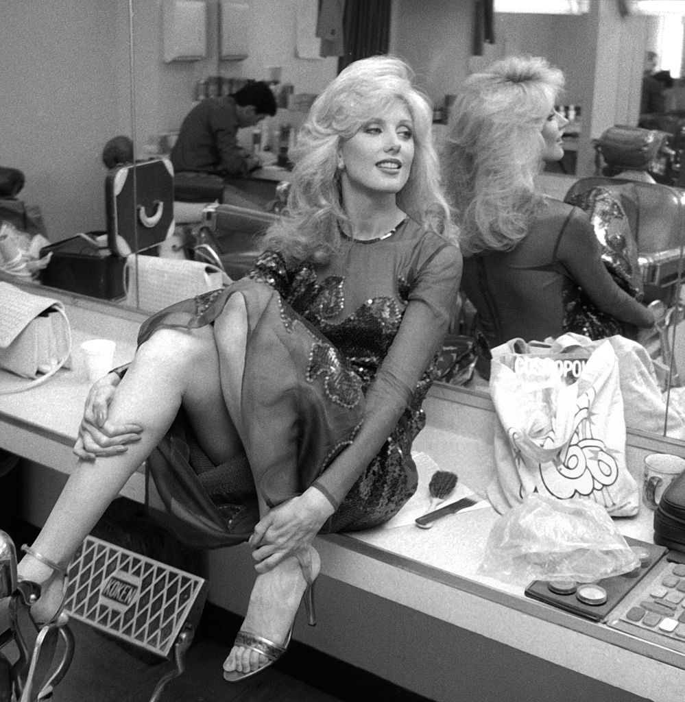 Consider, Loni anderson toes