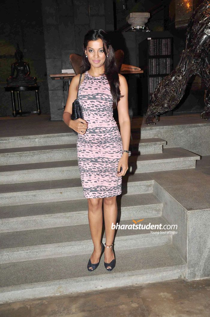 100+ Mugdha Godse photos when young