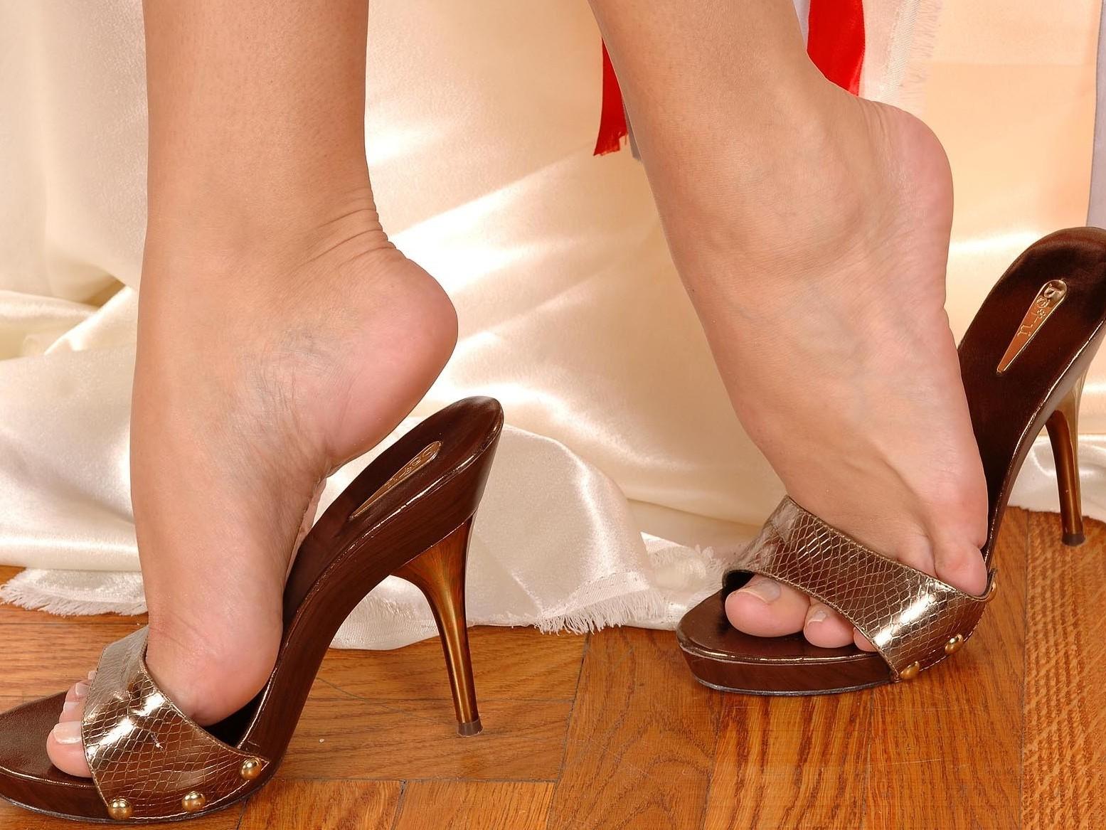 Mya Diamond Feet