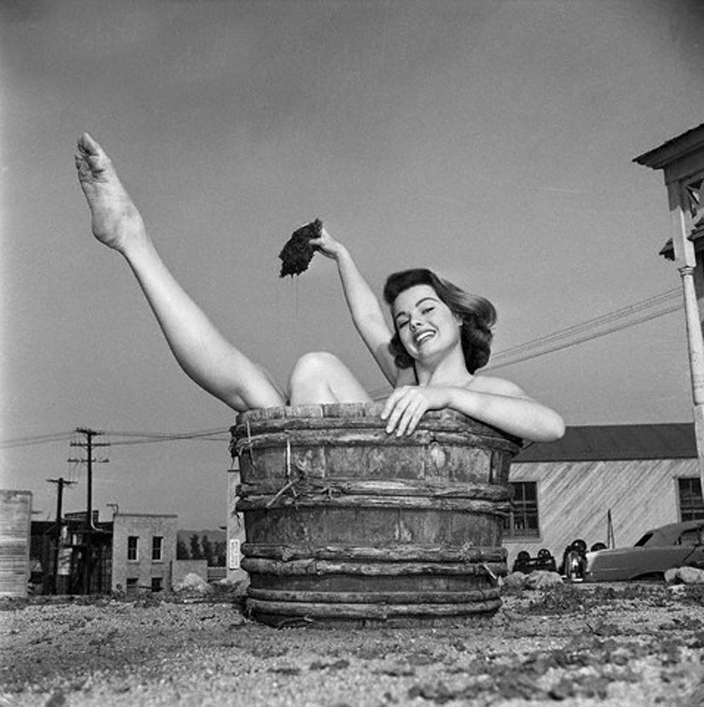naked Legs Myrna Hansen (11 fotos) Cleavage, Facebook, swimsuit