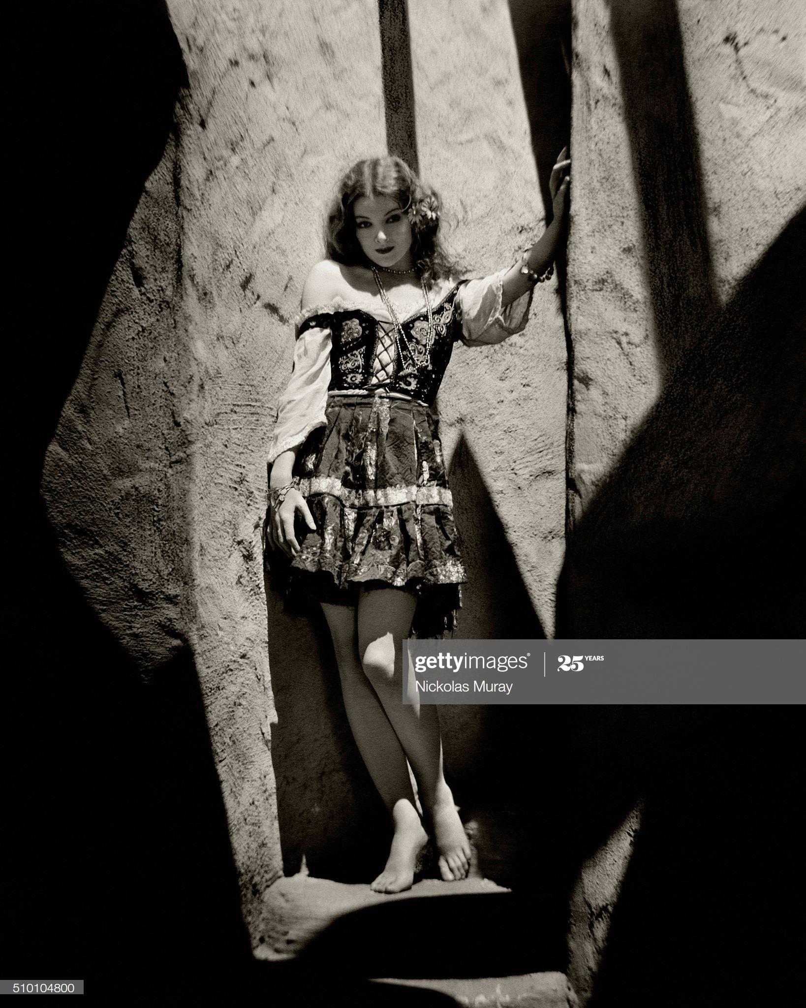 https://pics.wikifeet.com/Myrna-Loy-Feet-5063781.jpg