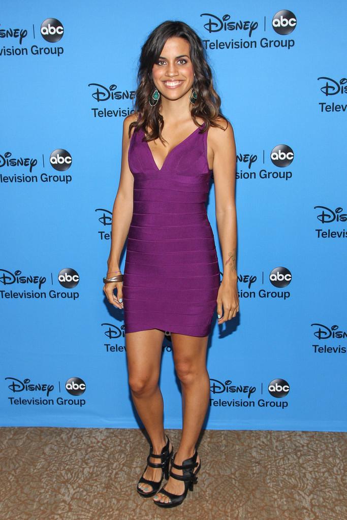 Natalie Morales's Feet Natalie Morales Actress Bikini