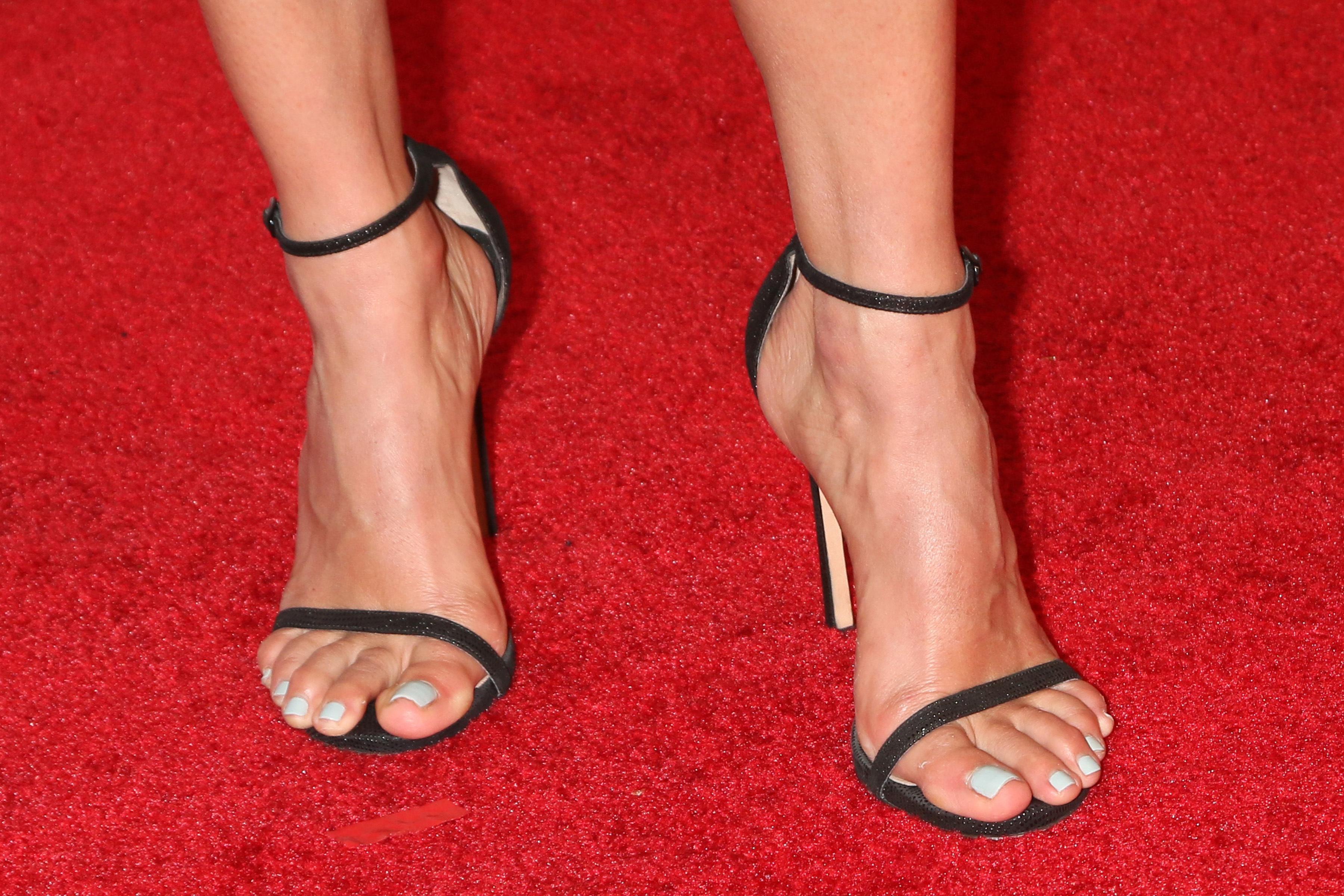 Natalie Morales's Feet