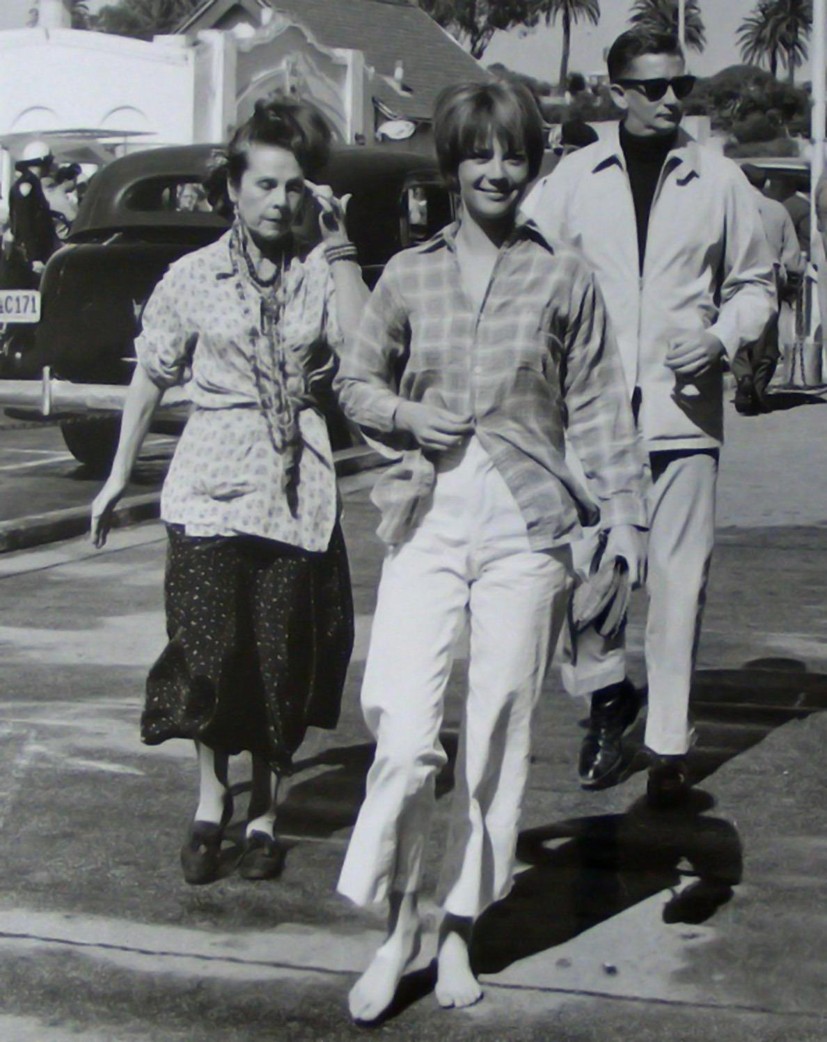 https://pics.wikifeet.com/Natalie-Wood-Feet-1240423.jpg