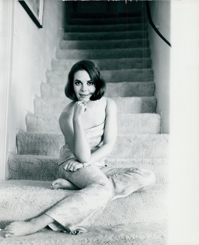 https://pics.wikifeet.com/Natalie-Wood-Feet-1677716.jpg
