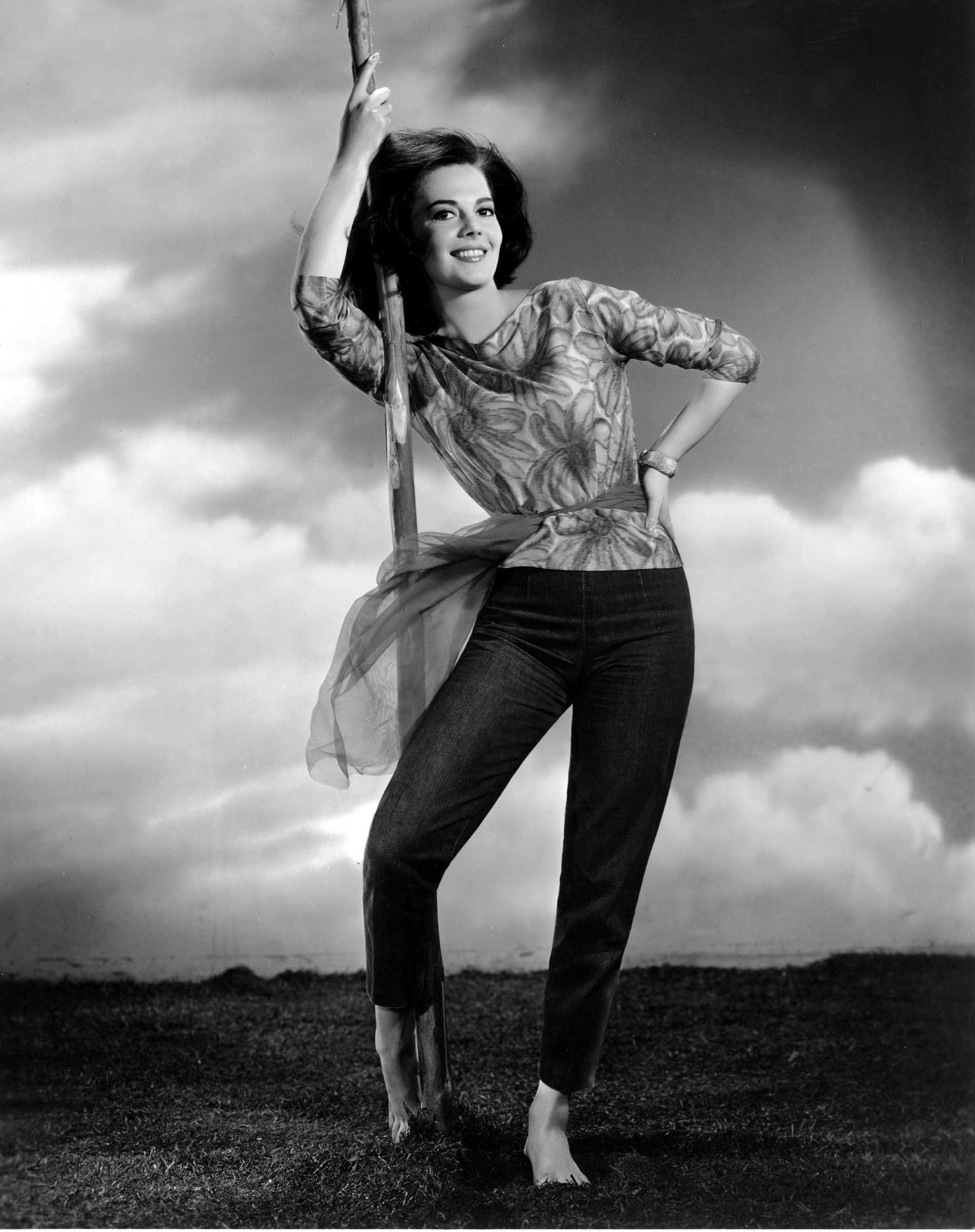 https://pics.wikifeet.com/Natalie-Wood-Feet-939891.jpg