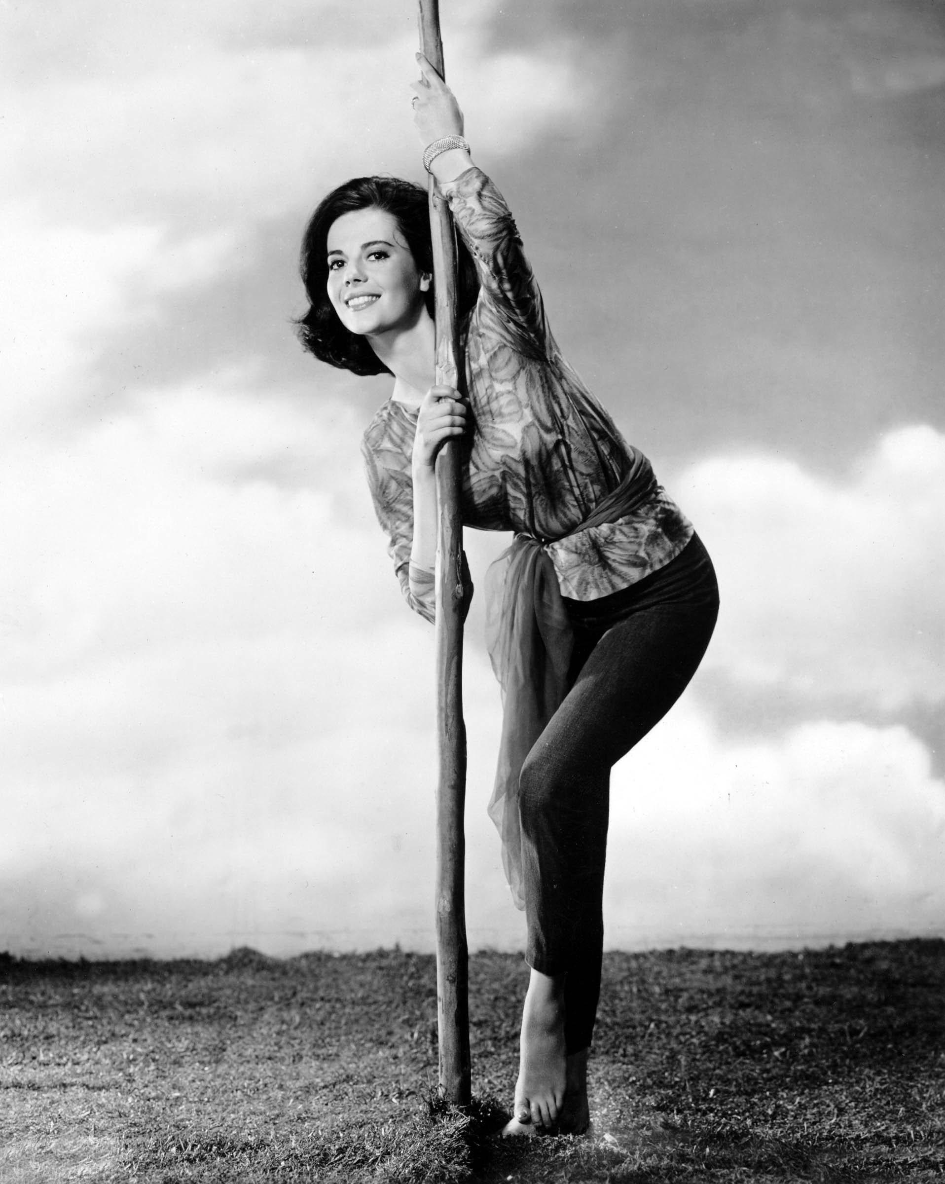 https://pics.wikifeet.com/Natalie-Wood-Feet-939892.jpg