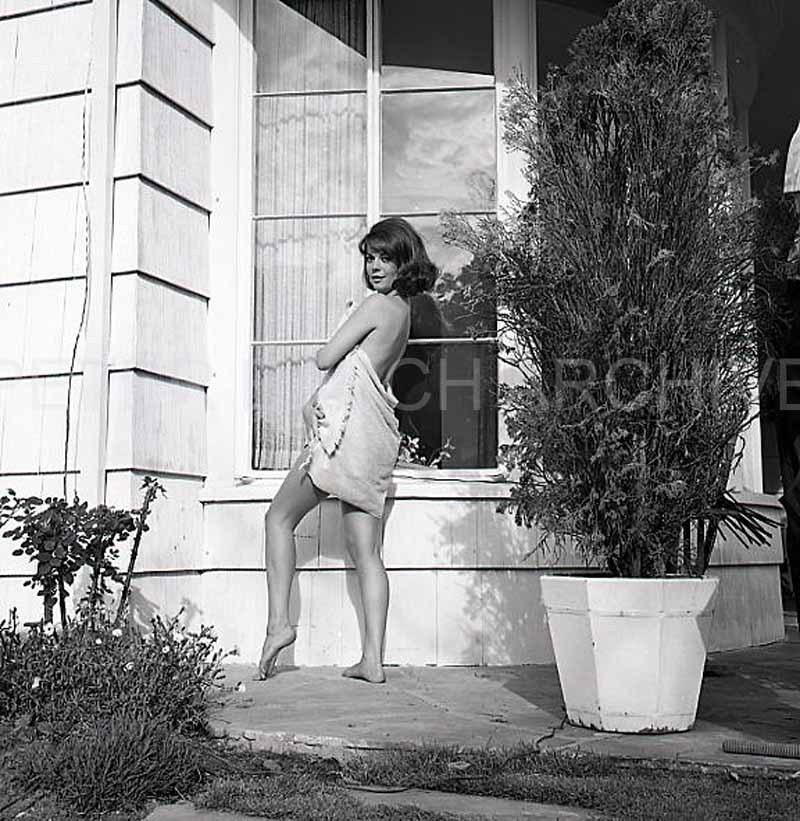 https://pics.wikifeet.com/Natalie-Wood-Feet-942468.jpg