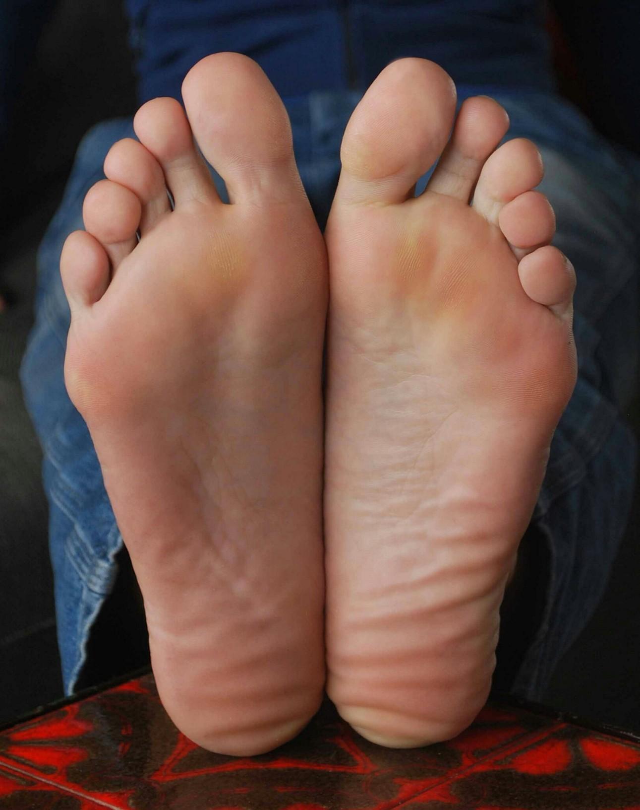Nathalie Meskens U0026 39 S Feet