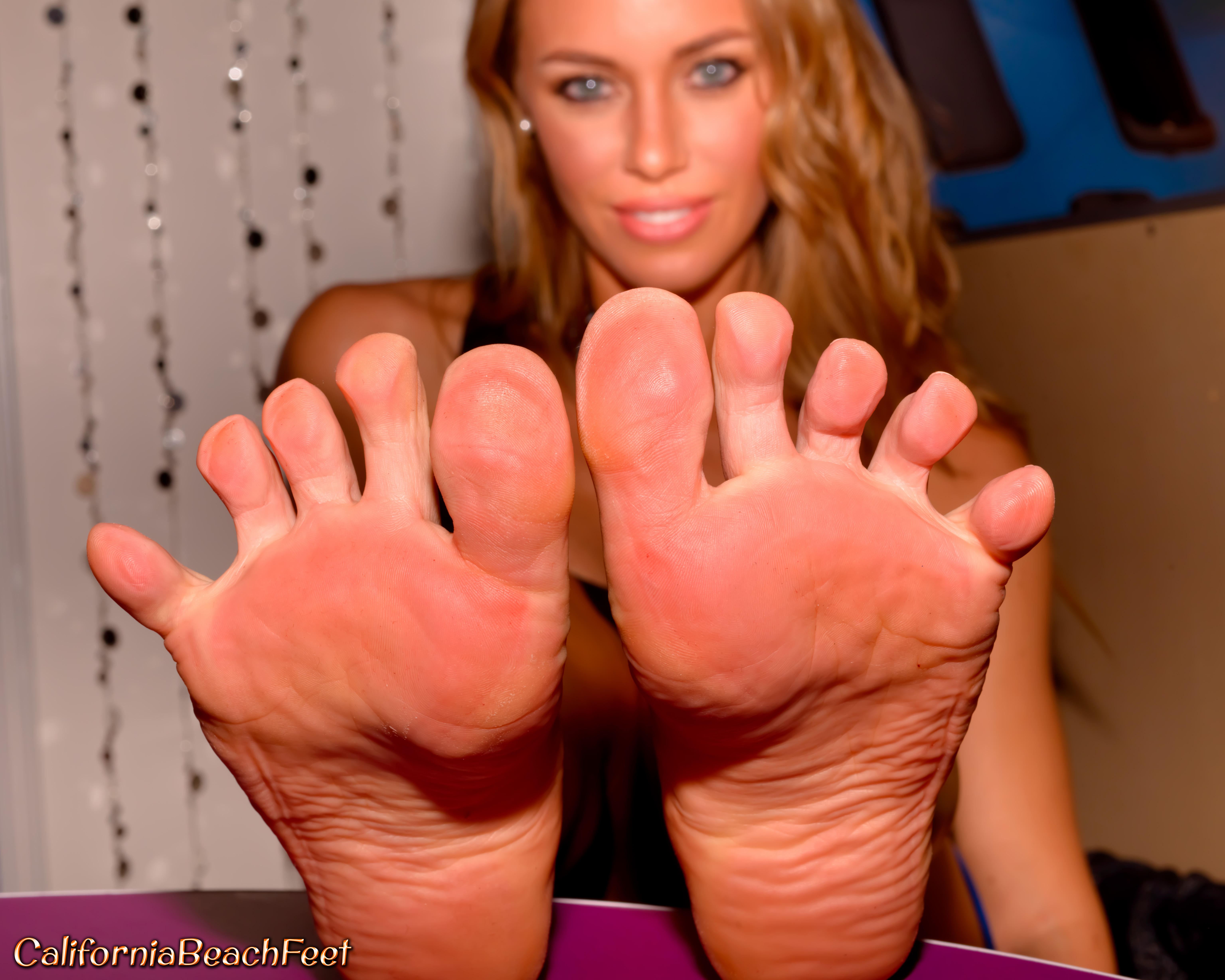 nicole aniston footjob