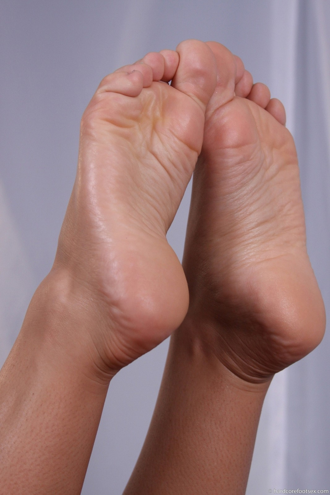 nicole aniston feet