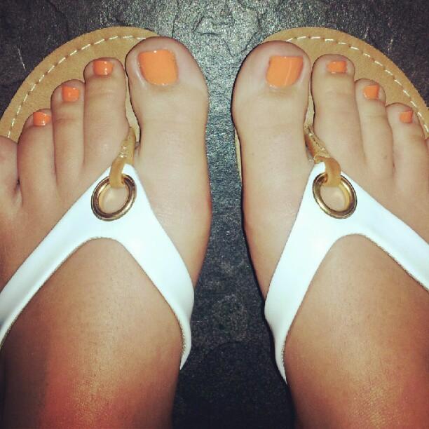 nicole aniston foot fetish