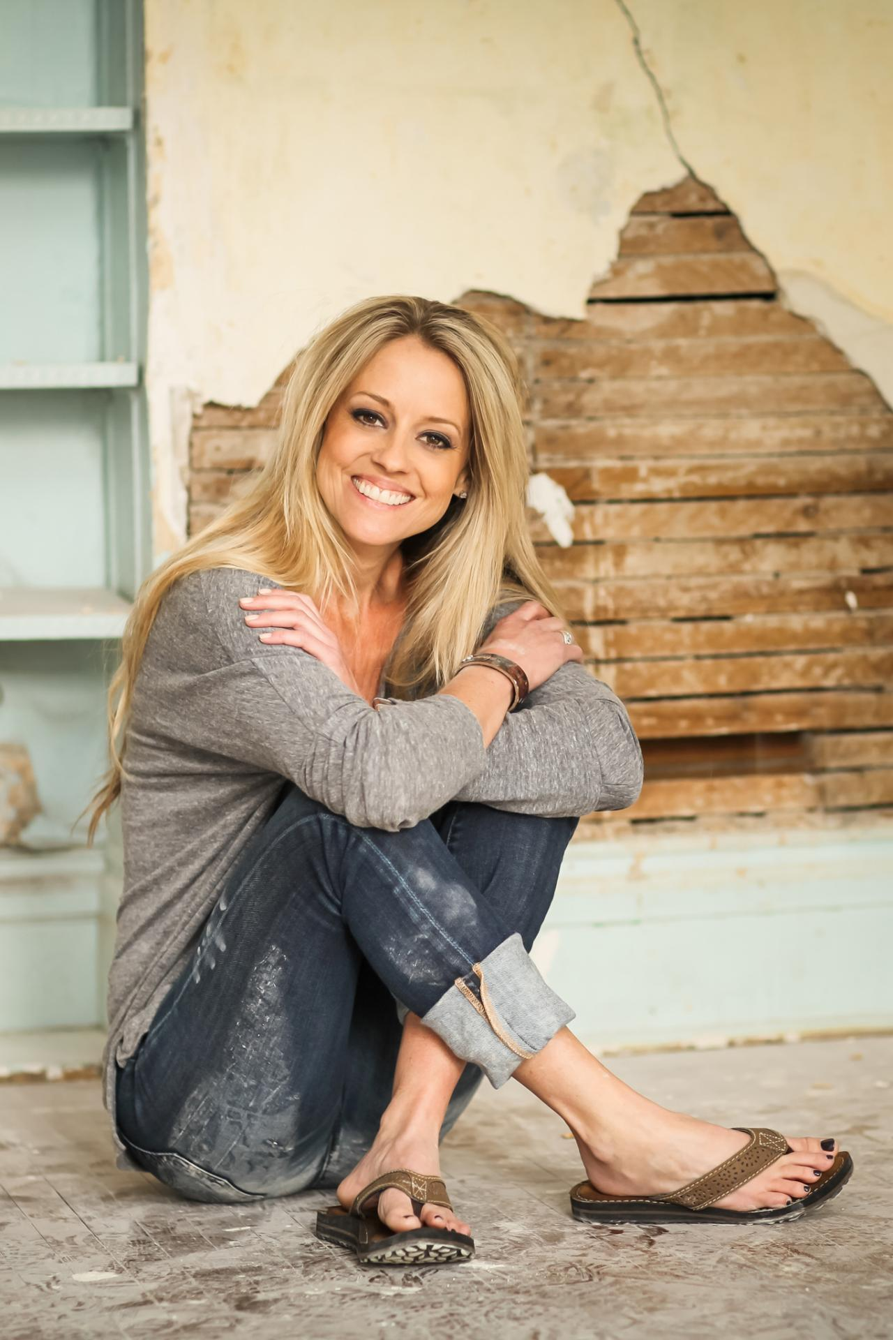 Nicole curtis 39 s feet for What is nicole curtis net worth