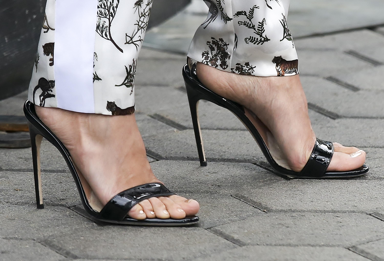 Nina Dobrev's Feet