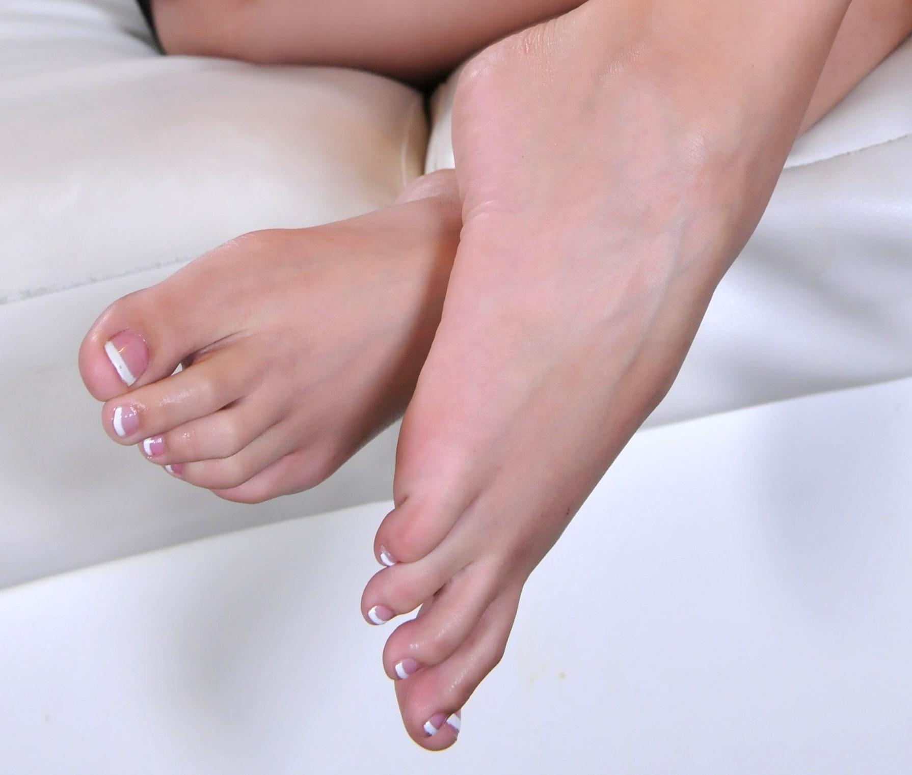 Noelle Easton's Feet