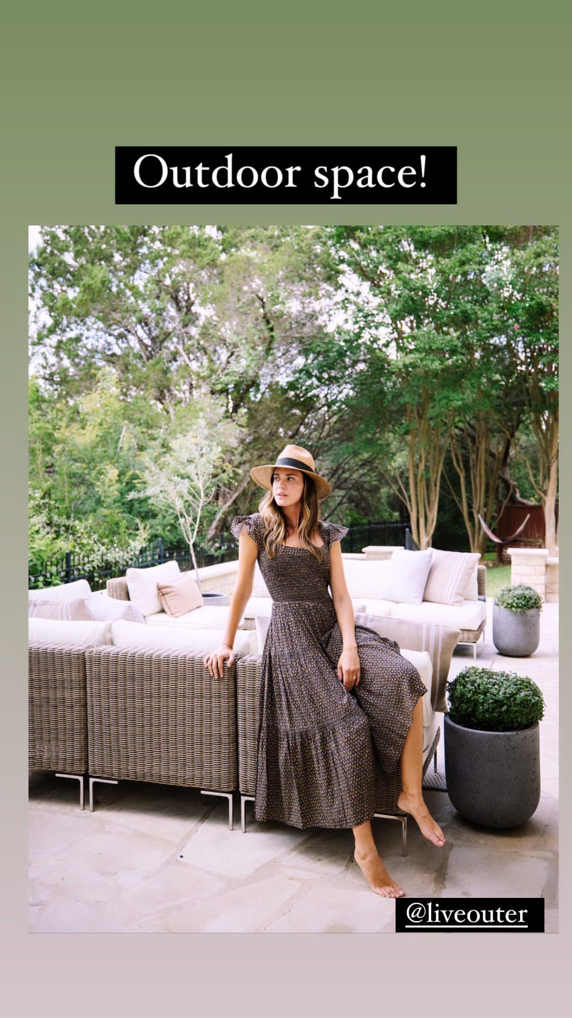 https://pics.wikifeet.com/Odette-Annable-Feet-5891821.jpg
