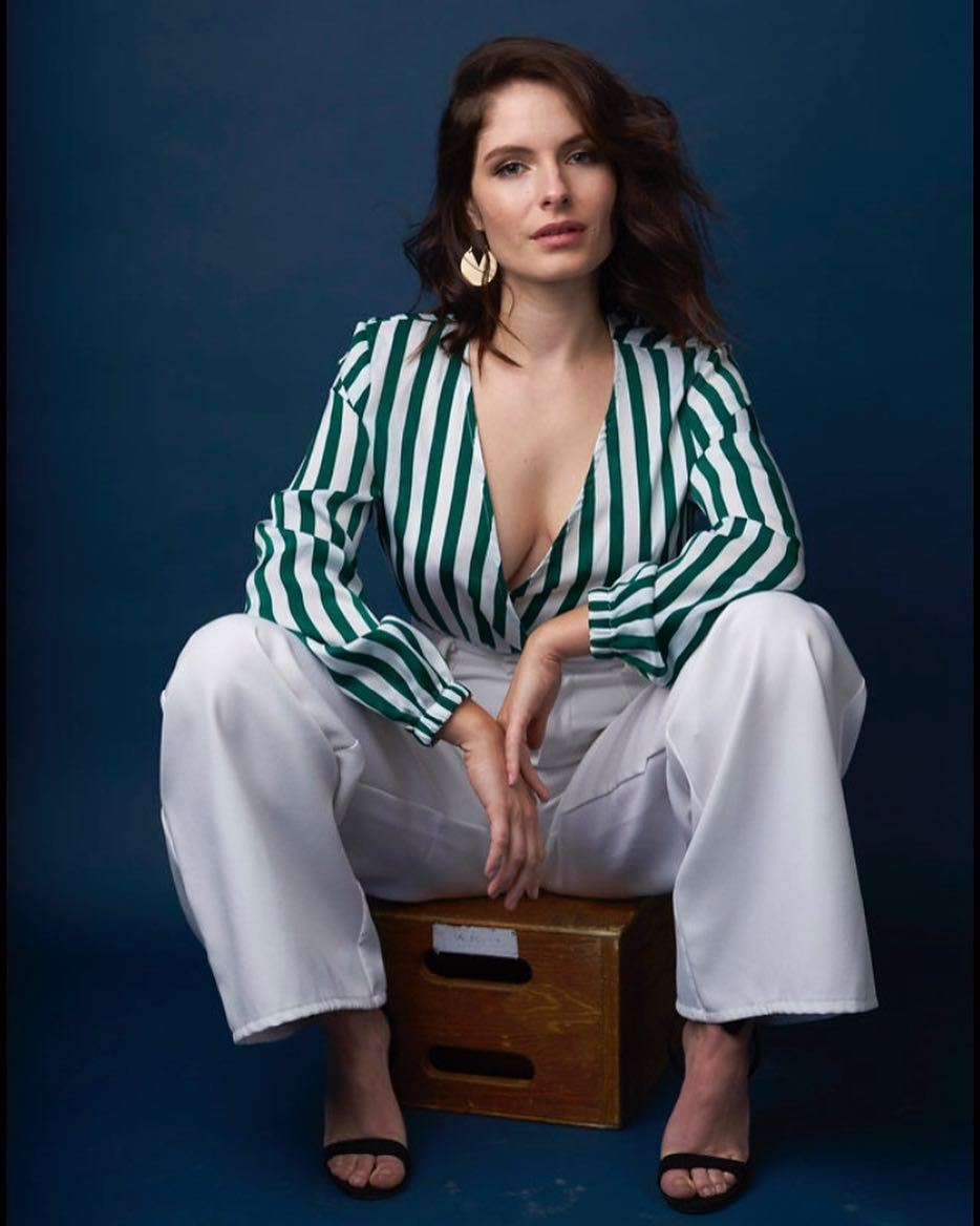 Olivia Grace Applegate Nude Photos 38