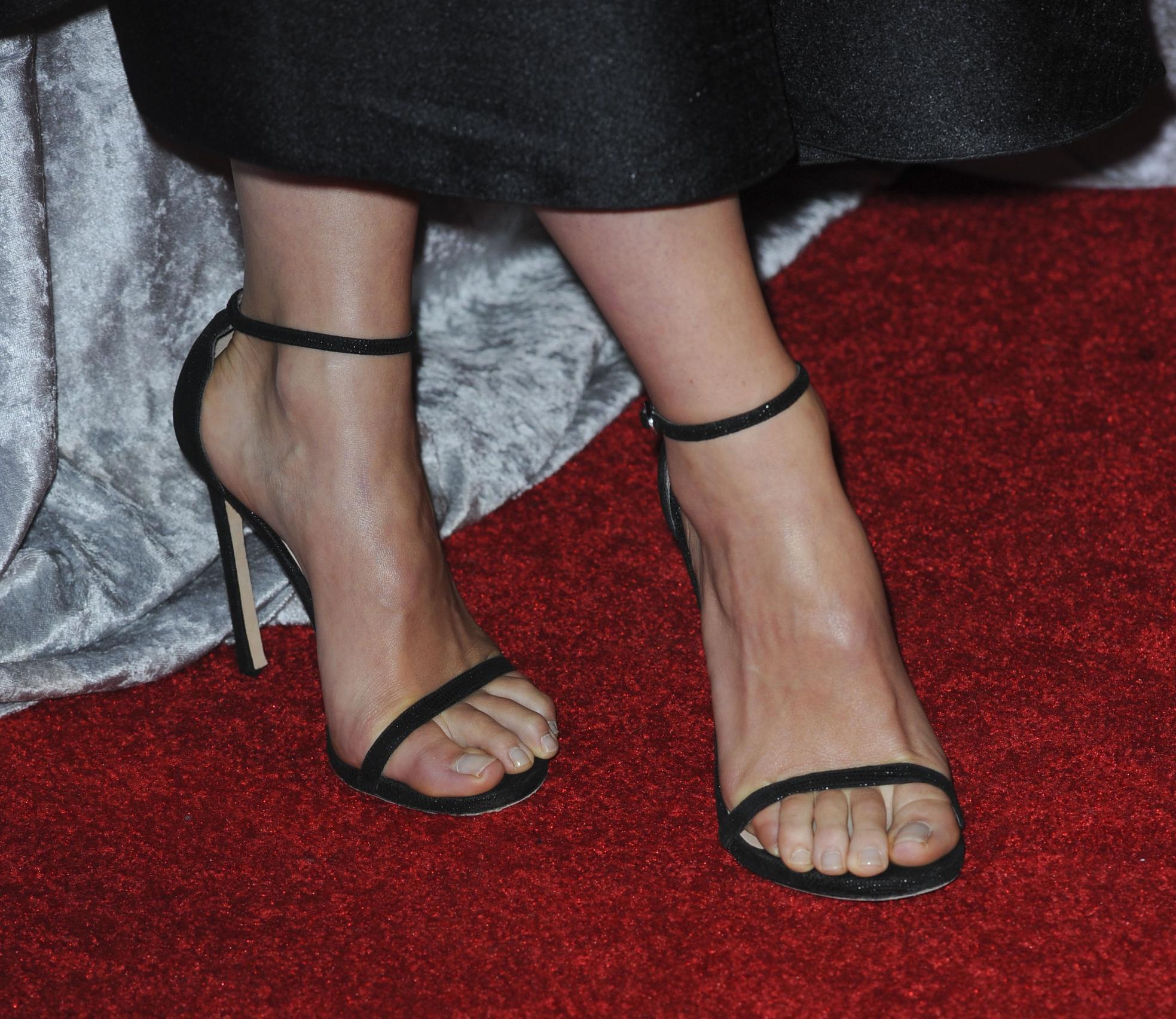 olivia wilde feet