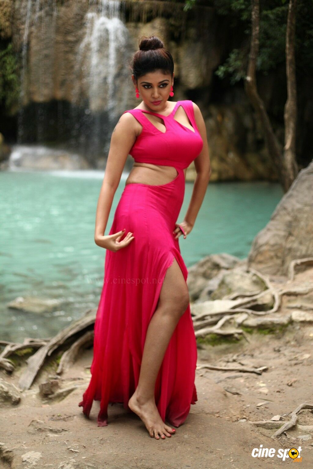 Helen Oviya | Inspirational Pictures: Female Celebrities ...