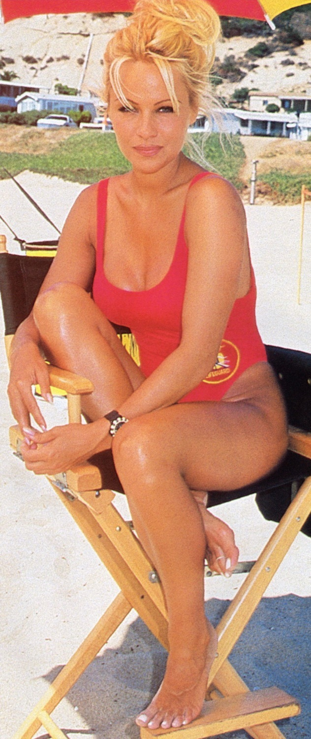 Loni anderson toes