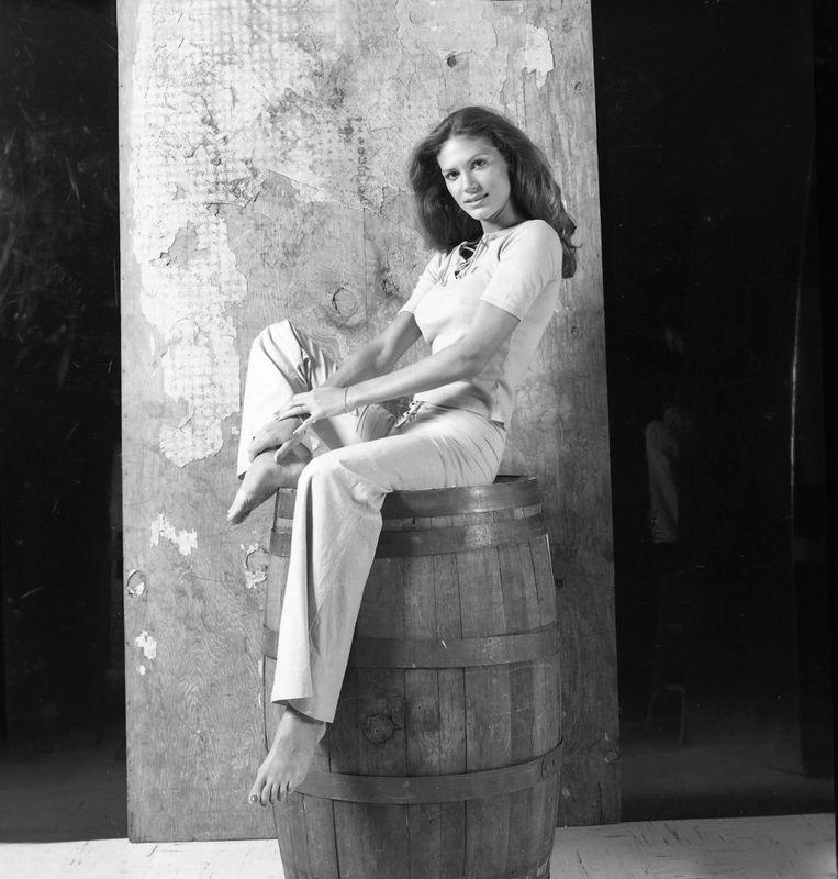 Pamela Hensley's Feet << wikiFeet