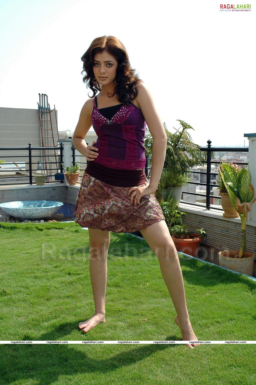 https://pics.wikifeet.com/Parvati-Melton-Feet-1486531.jpg