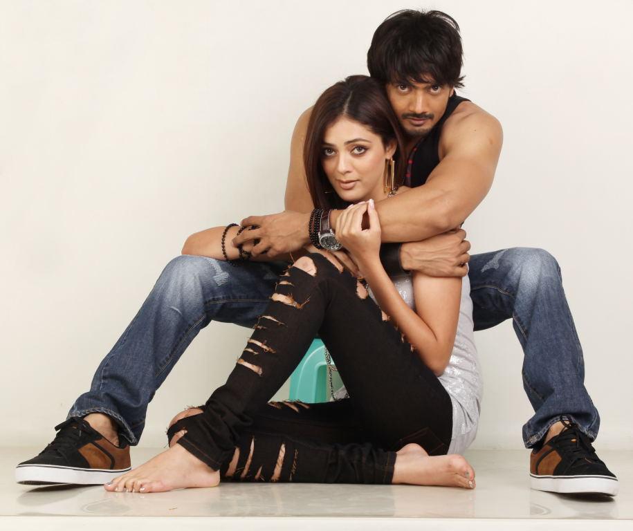 https://pics.wikifeet.com/Parvati-Melton-Feet-1486537.jpg