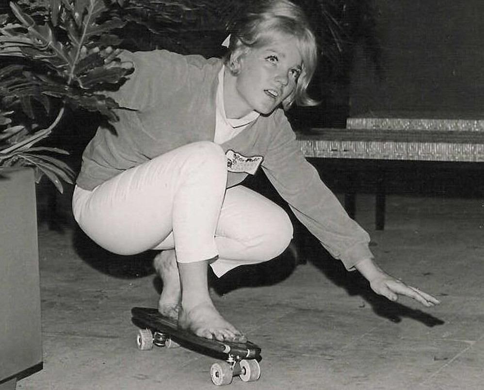 https://pics.wikifeet.com/Patti-McGee-Feet-1202317.jpg