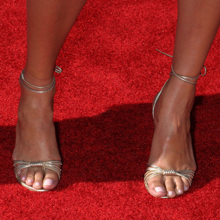 This Paula patton toes help