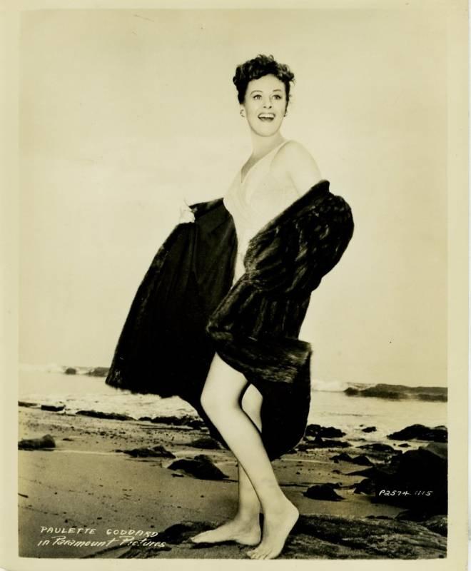 Paulette-Goddard-Feet-306890.jpg