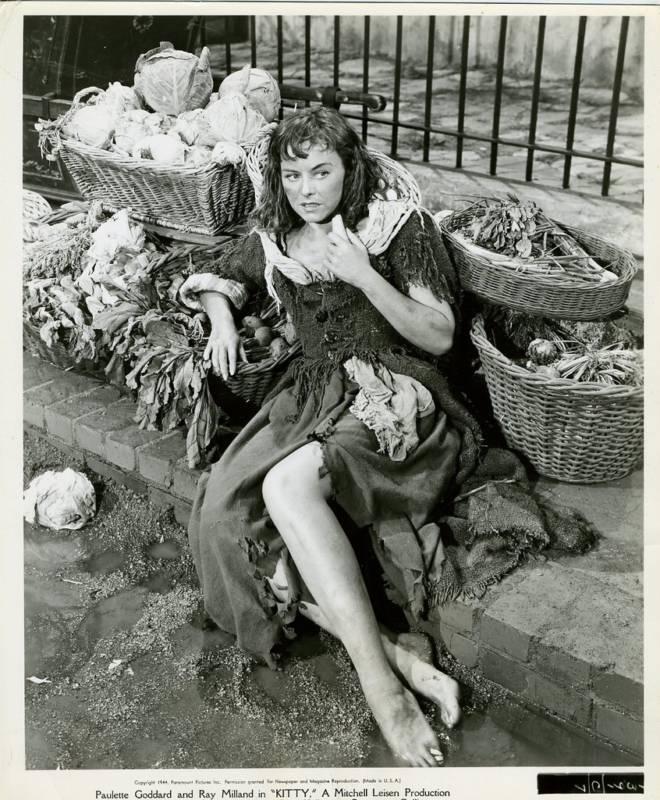 Paulette-Goddard-Feet-306891.jpg