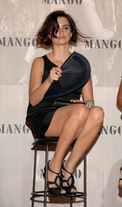 Sexy Latina Feet Tumblr Stunning penélope-cruz-feet-220771 (1775×3000) | penélope cruz