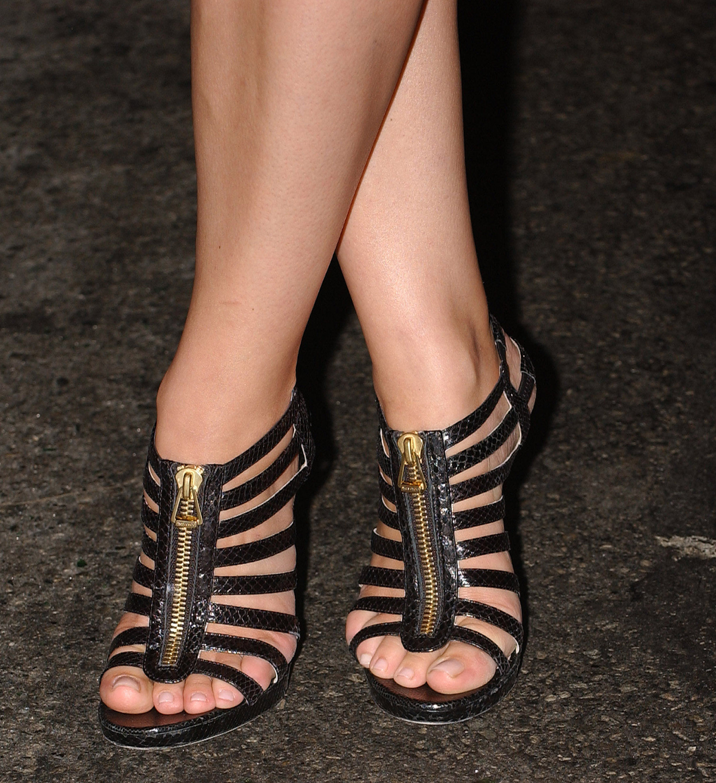 Piper Perabos Feet