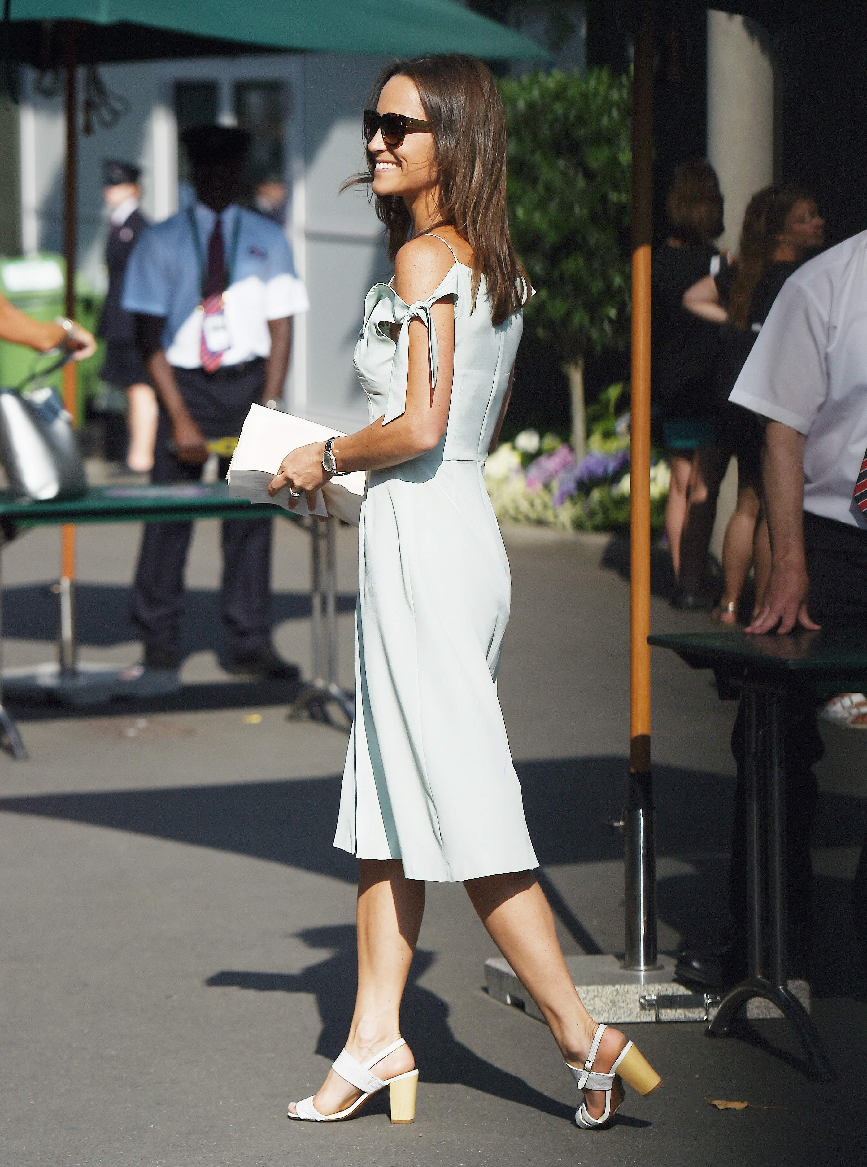 Feet Pippa Middleton nudes (16 foto and video), Topless, Cleavage, Boobs, butt 2015
