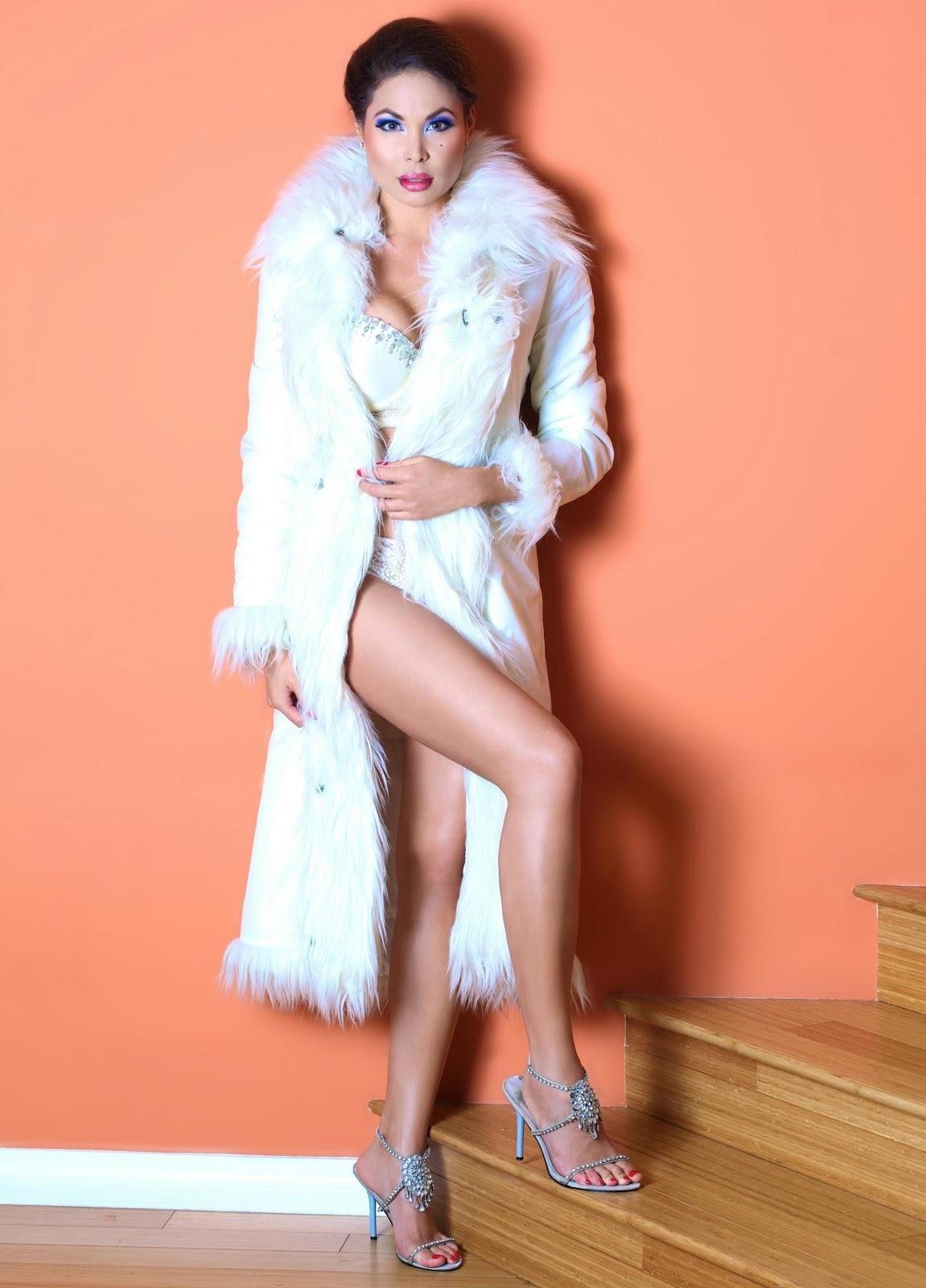 Radhaa Nilia Nude Photos 28